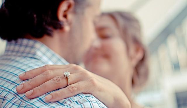 טבעת אירוסין קלאית לאשה שלך