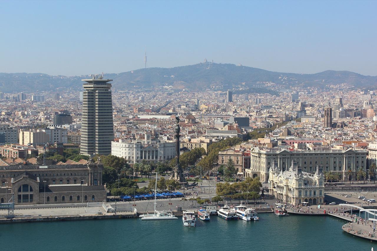 barcelona-984035_1280